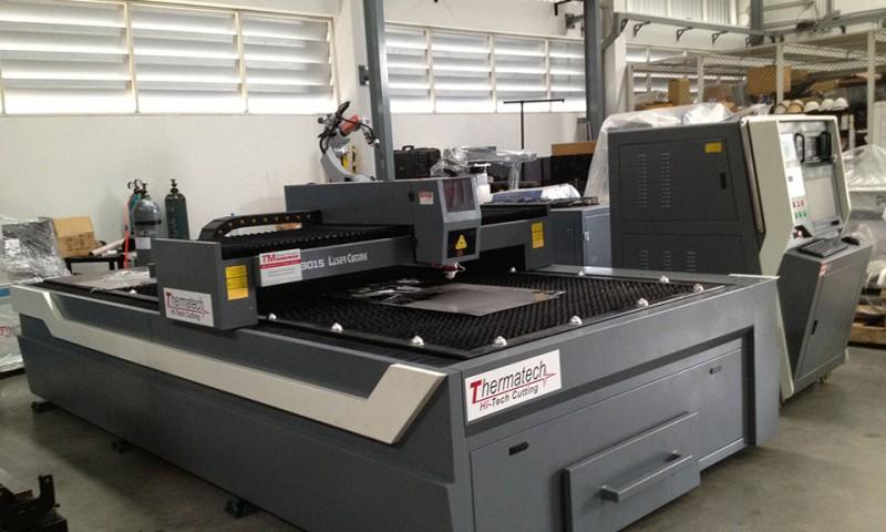 เครื่องตัดเลเซอร์ CNC Laser Cutting Machine เครื่องตัด Laser